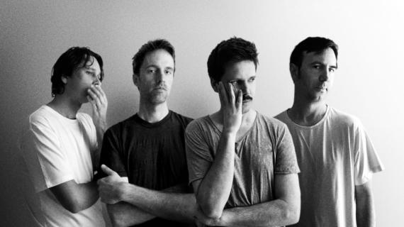 "Ouça: Cut Copy - ""Like Breaking Glass"""