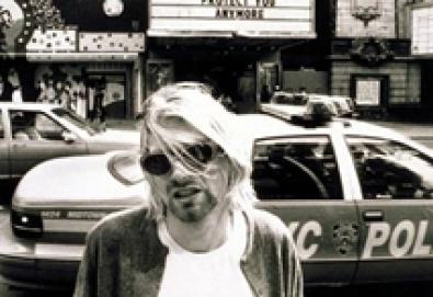 "Música inédita de Kurt Cobain e Courtney Love surge na trilha sonora de ""Hit So Hard"""