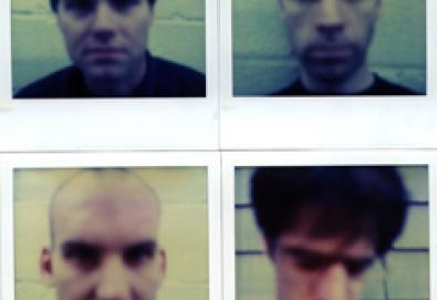 Pitchfork elege os 200 melhores álbuns da década