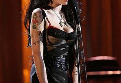 Amy Winehouse e M.I.A. entram no mundo da moda