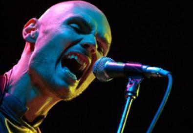 "Billy Corgan, líder do Smashing Pumpkins, chama membros do Pavement de ""vendidos"""