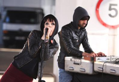 Crystal Castles em setembro no Brasil; o duo se apresenta no Rio e em São Paulo