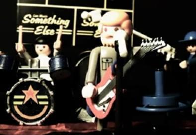Vídeo clássico do Joy Division é regravado em versão Lego