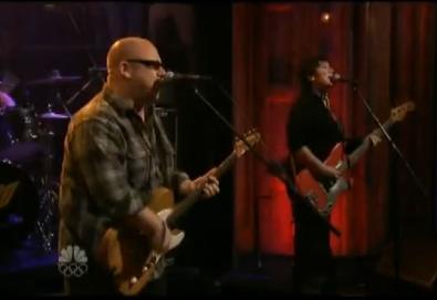 Pixies tocando Debaser em programa de tv