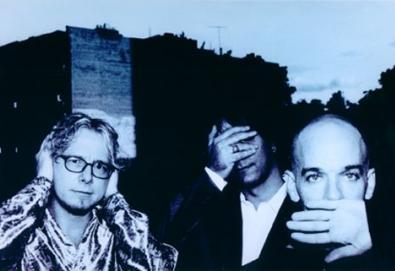 Próximo álbum do R.E.M. traz Eddie Vedder, Patti Smith e Peaches como convidados