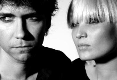 """Vídeo: The Raveonettes fazendo cover de """"I Wanna Be Adored"""", dos Stone Roses"""