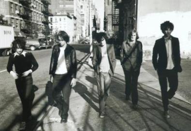 Novo álbum dos Strokes divide membros do grupo