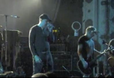 "Peter Hook e Billy Corgan tocam ""Transmission"" e ""Love Will Tear Us Apart"" em Chicago (vídeo)"