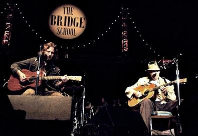 25º Bridge School Benefit reúne Neil Young, Eddie Vedder, Arcade Fire, Beck, entre outros