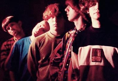 "Inspiral Carpets lança primeiro single em 16 anos; ouça aqui ""You're So Good For Me"""