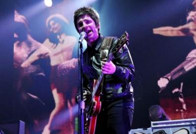 "Noel Gallagher faz seu primeiro show da turnê ""High Flying Birds""; veja o setlist"
