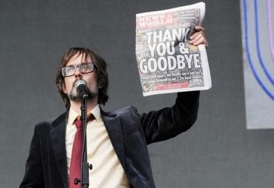 Líder do Pulp ironiza fechamento do tablóide News of the World
