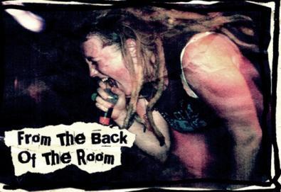 """Documentário """"From The Back Of The Room"""" retrata o universo punk feminino; veja o trailer"""