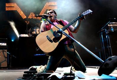 Stereogum seleciona as 30 melhores covers feitas pelo Weezer; banda interpreta canções do Green Day, Nirvana, Pixies, Beatles, entre outros