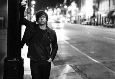 Novos discos de Ryan Adams, DJ Shadow e Zola Jesus disponíveis em streaming