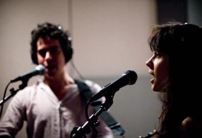 """She & Him divulga tracklist de seu álbum natalino; ouça aqui """"The Christmas Waltz"""""""
