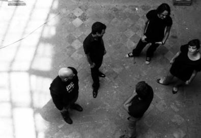 Primeiro álbum do The Birkins traz participações ilustres