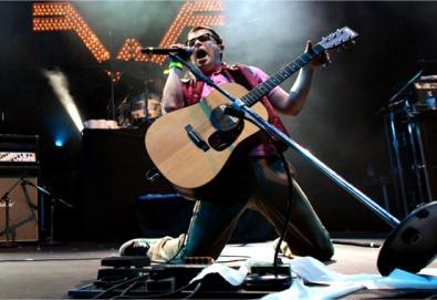 Rivers Cuomo, líder do Weezer, lançará livro e coletânea em dezembro