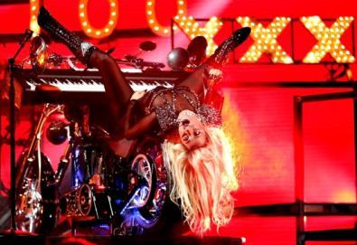 NME lista os 50 piores vídeos de todos os tempos; U2, Lady Gaga, Pixies e Beach Boys foram premiados