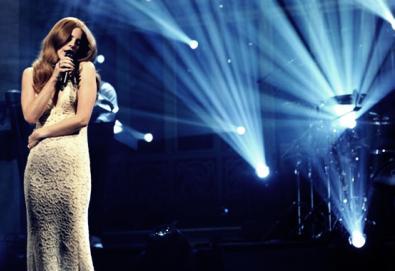 Lana Del Rey se apresenta no Late Show With David Letterman; assista aqui