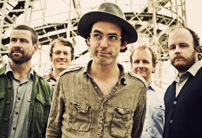 Clap Your Hands Say Yeah perde dois integrantes