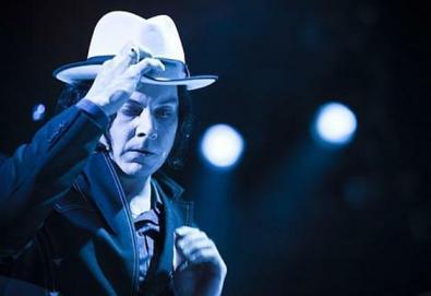 Jack White anuncia disco duplo e ao vivo