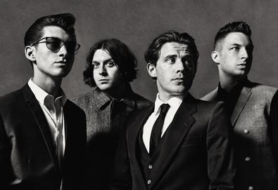 "Novo disco do Arctic Monkeys é ""sexy e dançante"" diz líder do Queens Of The Stone Age"
