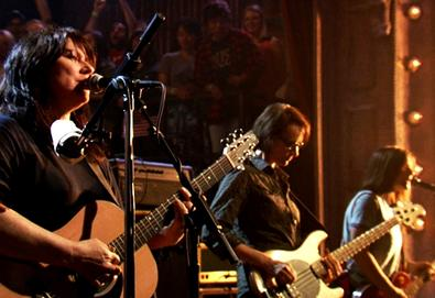 "The Breeders interpreta ""Cannonball"" na TV americana"