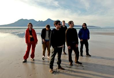 "British Sea Power anuncia novo álbum; Ouça a faixa ""Machineries Of Joy"""