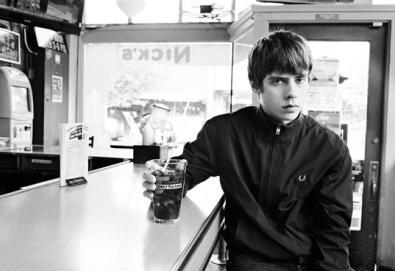 """Jake Bugg grava versão de """"Slide Away"""" do Oasis"""