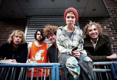 Integrantes do Tame Impala lançam novo álbum com seu projeto paralelo