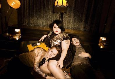 """Novo álbum do Gossip chega em maio; ouça o primeiro single """"Perfect World"""""""