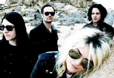 <strong>The Dead Weather</strong>