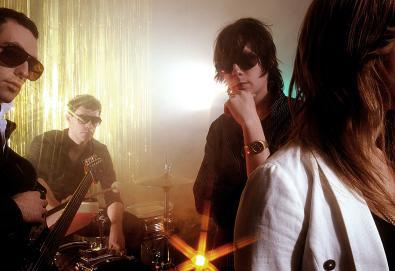 """Chromatics lança uma nova música - """"Shadow"""""""