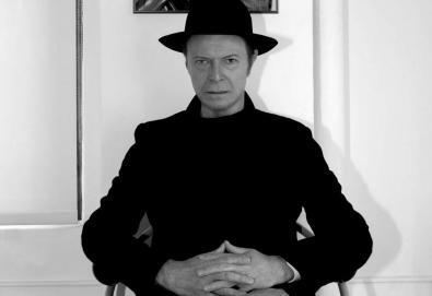 """David Bowie lança mais uma música de '★' - Ouça """"Lazarus"""""""