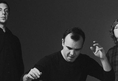 "Future Islands lança novo single no programa de David Letterman – Confira ""The Chase"" ao vivo"