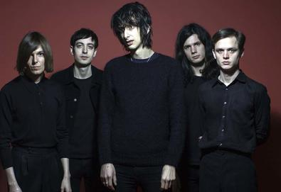 "Ouça: The Horrors - ""Machine"""