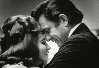 "Novo vídeo de Johnny Cash: ""She Used to Love Me A Lot"""