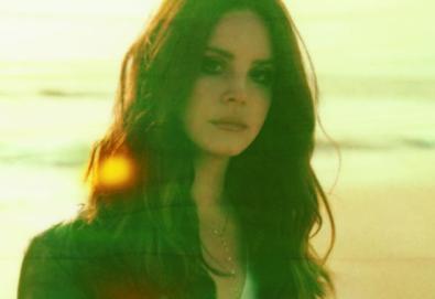 """Lana Del Rey revela nova música; """"Life Is Beautiful"""" aparece em trilha de filme"""