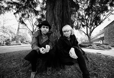 "Ouça: The Raveonettes - ""Fast Food"""