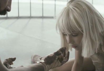 "Vídeo: Sia - ""Elastic Heart"""
