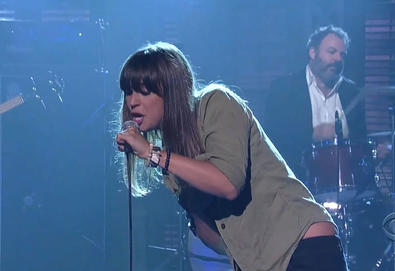 "Cat Power - ""Metal Heart"" (Late Show with David Letterman)"