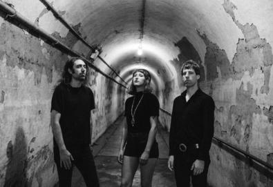 "Nova Música: A Place To Bury Strangers - ""Never Coming Back"""