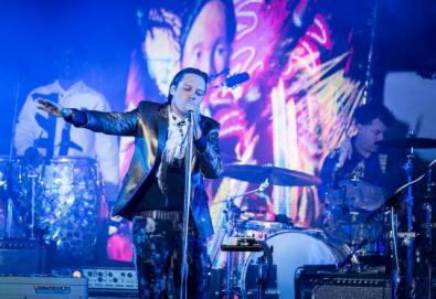 """Arcade Fire revela faixa inédita; ouça """"Get Right"""""""