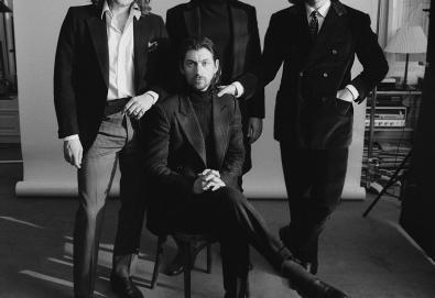 Arctic Monkeys confirma lançamento de novo álbum - 'Tranquility Base Hotel & Casino'