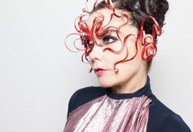 Björk se apresenta na TV britânica após 8 anos