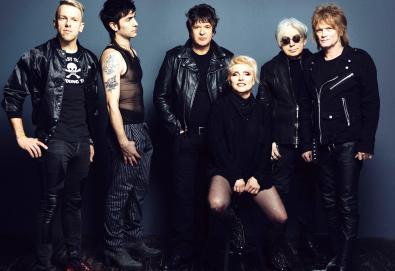 """Blondie lança música composta por Johnny Marr; Ouça """"My Monster"""""""
