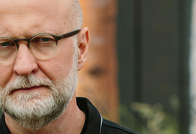 "Bob Mould anuncia novo álbum; Ouça o single ""Sunshine Rock"""
