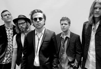 "Ouça: Cage The Elephant — ""Night Running"" (com Beck)"