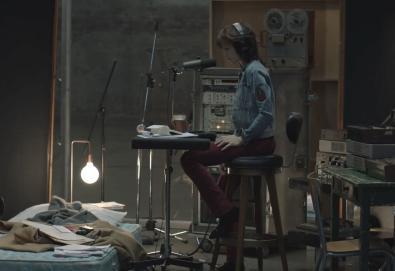 "Charlotte Gainsbourg lança videoclipe da canção ""Rest"""